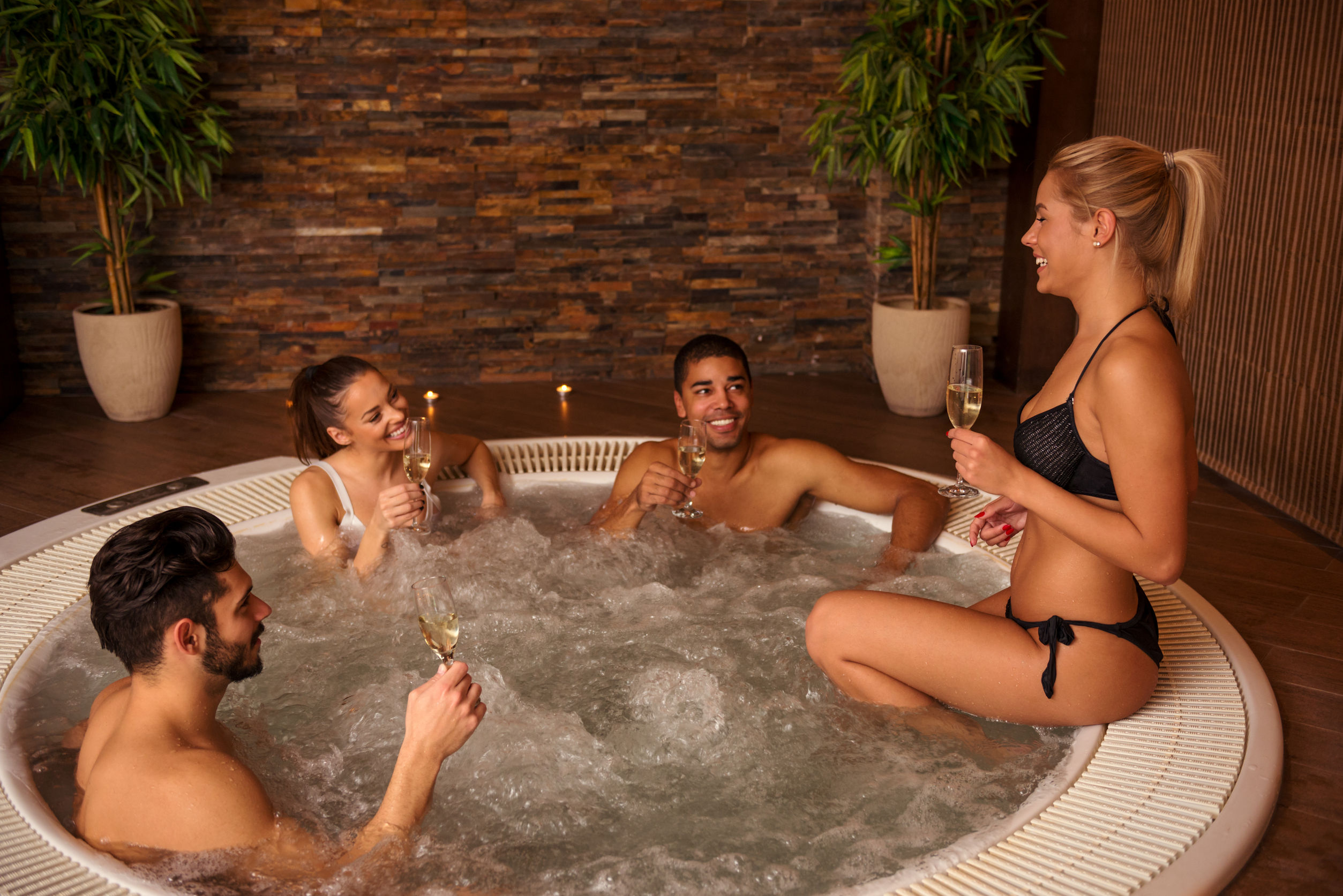 Best 4 Person Hot Tub Reviewed and Rated