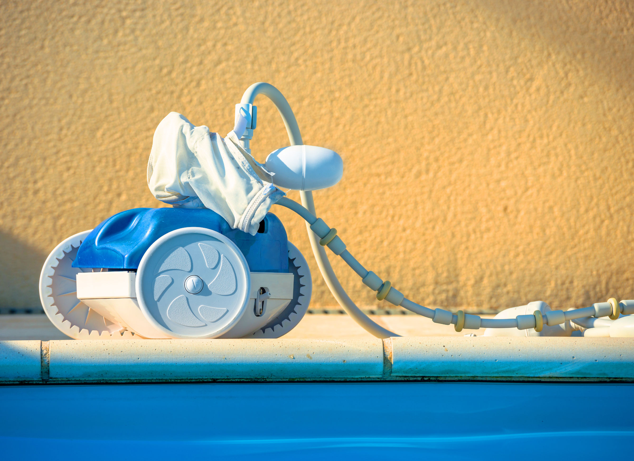 Best Automatic Pool Cleaners Reviewed and Rated in 2019
