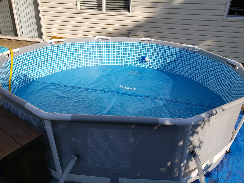 How to Remove Stains from Your Pool Liner